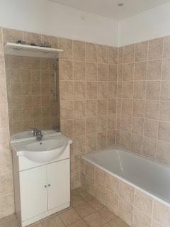 deux pièces salle de bain Moulières le cannet
